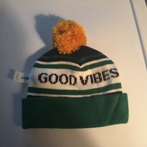 "cb0eb8e68e1 Old Navy ""Good Vibes"" Rolled Beanie and Pom Pom OS"